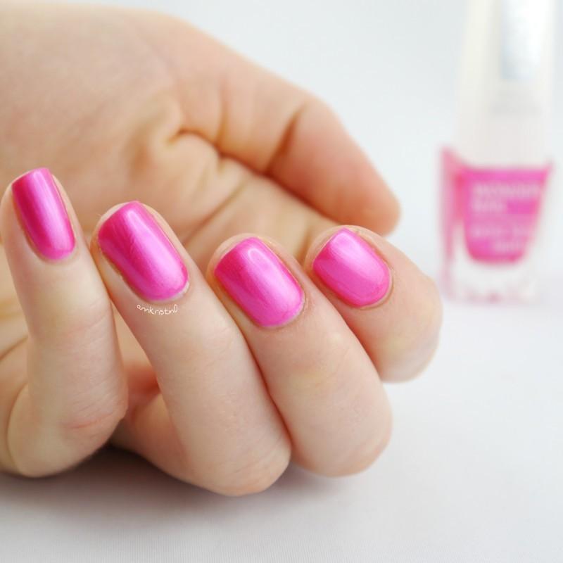 Isadora Pink Glow Swatch by Ann-Kristin