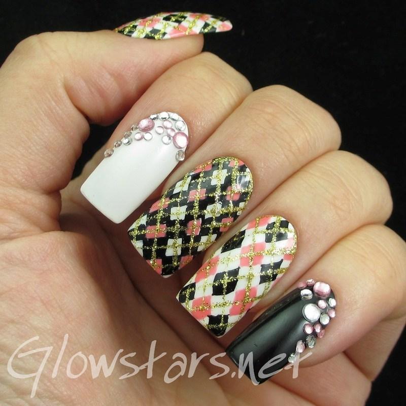 NMC White 032 nail art by Vic 'Glowstars' Pires