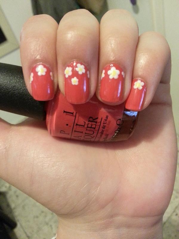 Daisies nail art by Maya Harran