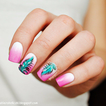 Light as a feather nail art by Olaa
