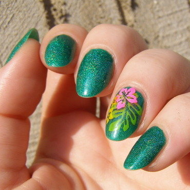 Tropical Emerald nail art by Szilvia