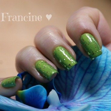 «Kneel, humans!» nail art by Francine