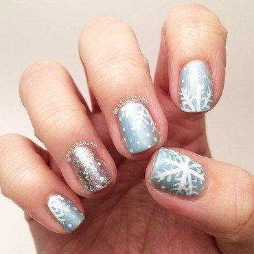 Ice & Snow nail art by Nailblazer