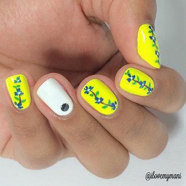 Summer flower nails! nail art by Gabrielle
