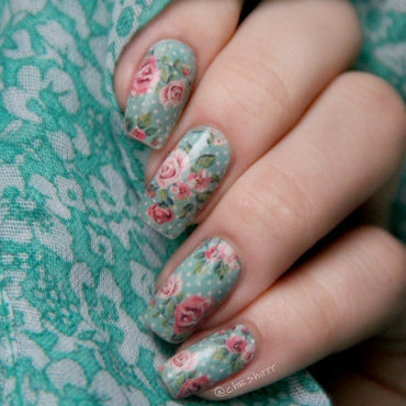 roses nail art by cheshirrr