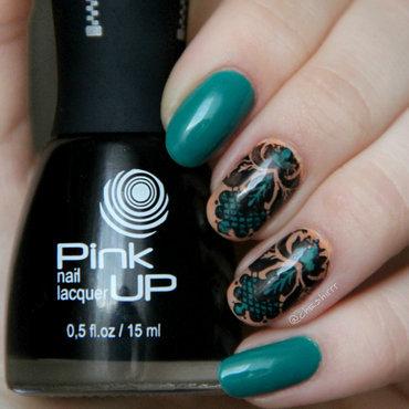 green design nail art by cheshirrr