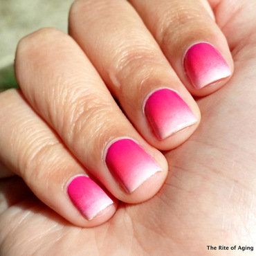 Pink Gradient nail art by Monica