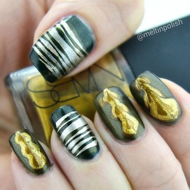 Meltin'Gold nail art by Meltin'polish