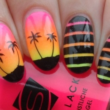 Tropical nail art by Plenty of Colors