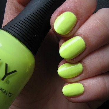 Orly Key Lime Twist Swatch by Nail Crazinesss