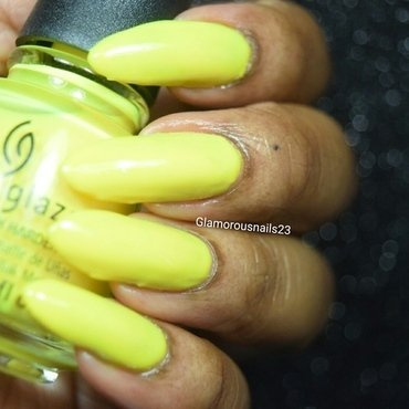 China Glaze Daisy know my name? Swatch by glamorousnails23