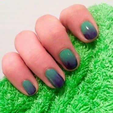 Gradient nail art by Vomterchak