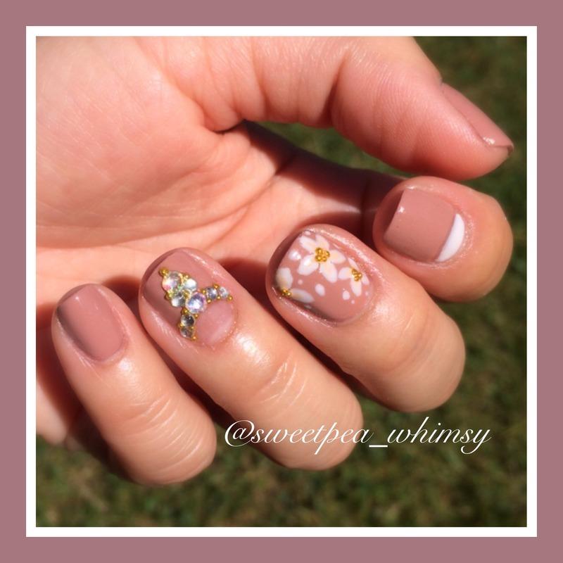 Mauve-elous!! nail art by SweetPea_Whimsy