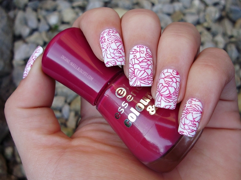 Red floral nails nail art by Sanela