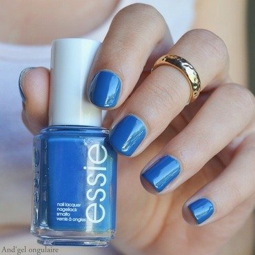 Essie Hide & Go Chic Swatch by And'gel ongulaire
