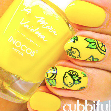 Yellow summer nails thumb370f
