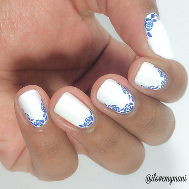 Delicate Flowers! nail art by Gabrielle