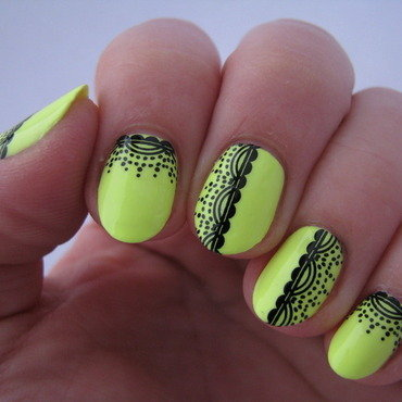 Black lace on lime nail art by Nail Crazinesss