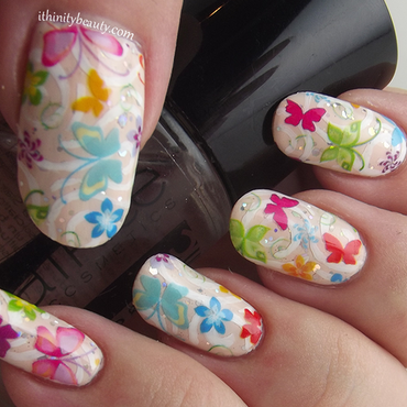 Summer Swirls And Butterflies nail art by Ithfifi Williams