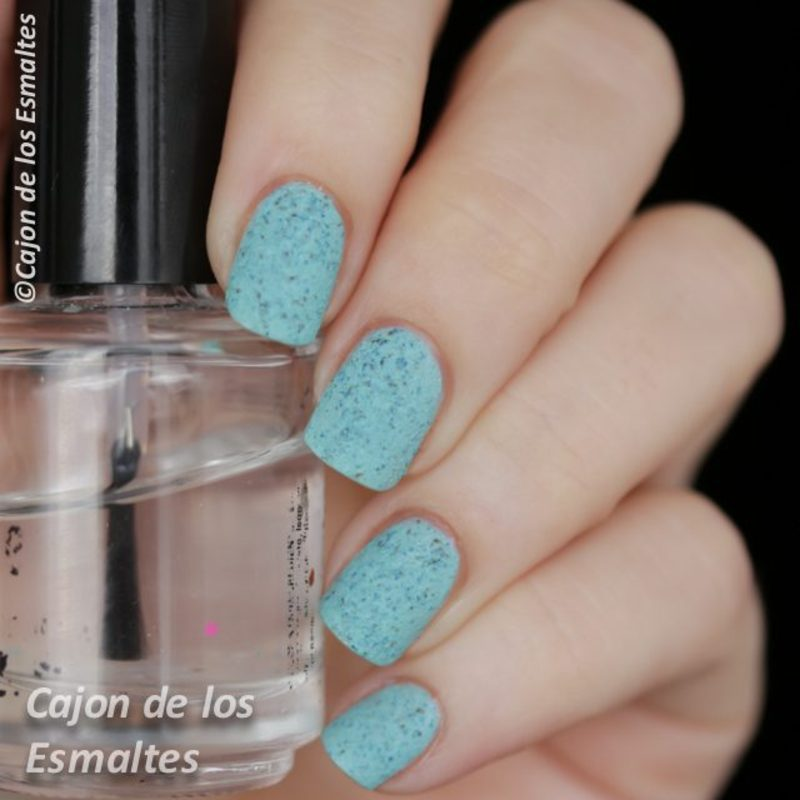 Nicole by OPI On What Grounds (Textured) Swatch by Cajon de los esmaltes