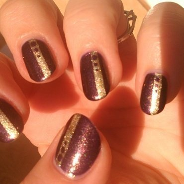 Simple autumn stripes and dots nail art by Nail Crazinesss