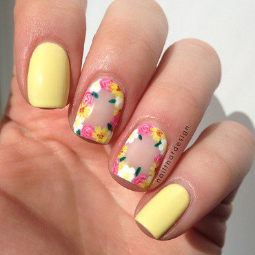 Negative Space Flower Crown nail art by NailThatDesign