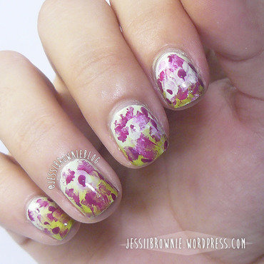 Flower Strucks nail art by Jessi Brownie (Jessi)
