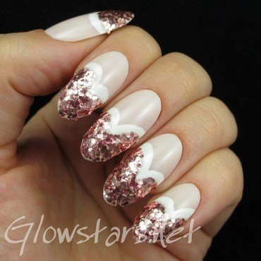 Glitter Hearts nail art by Vic 'Glowstars' Pires