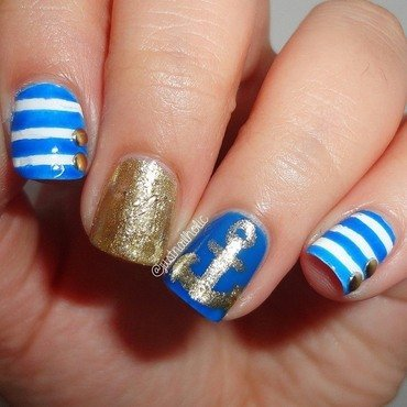Nautical nail art by Melany Antelo