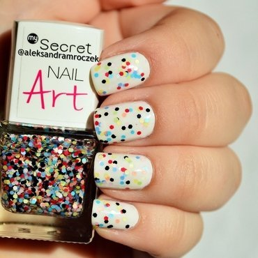 MySecret 222 Playful Dots and Wibo Extreme Nails nr 25 Swatch by Aleksandra Mroczek