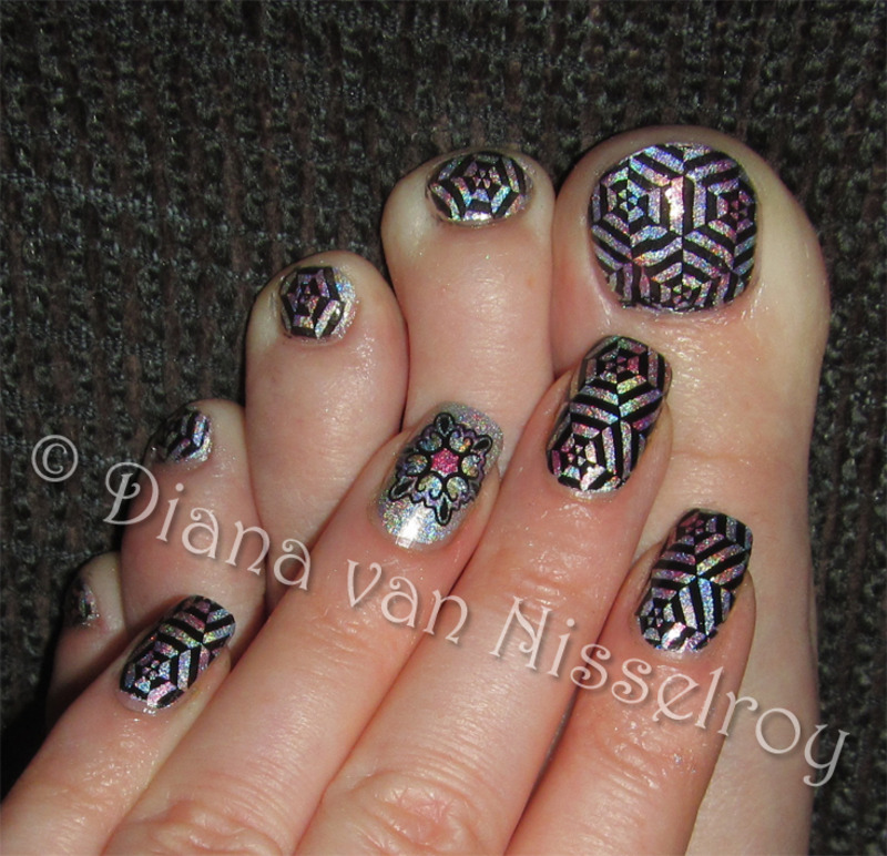 Kaleidoscope matching pedi nail art by Diana van Nisselroy