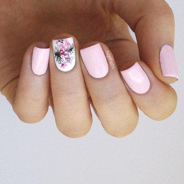 Floral Nailart nail art by nagelfuchs