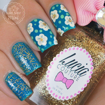 Dotted Flowers nail art by xNailsByMiri