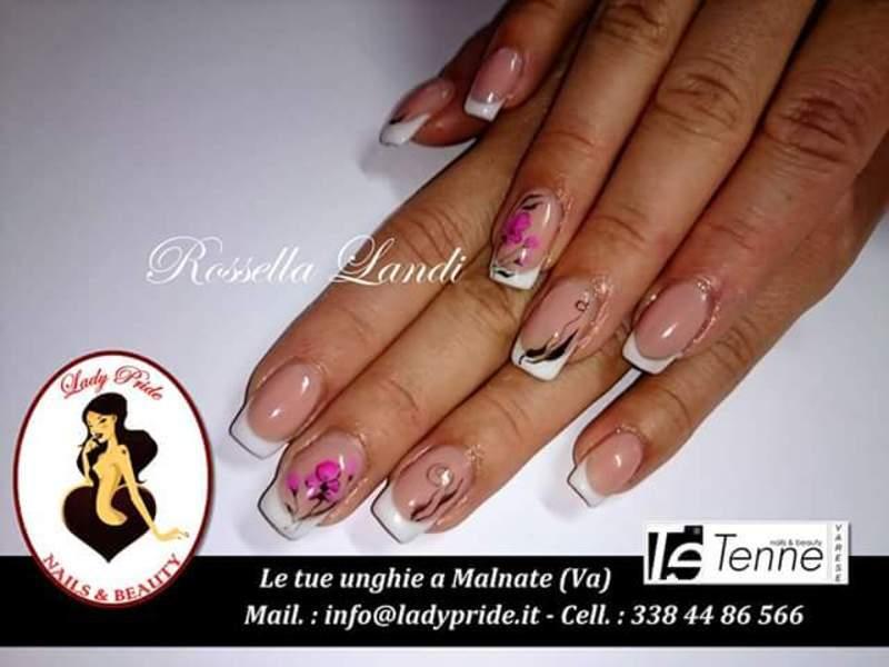 Pink Aquerello nail art by Rossella Landi