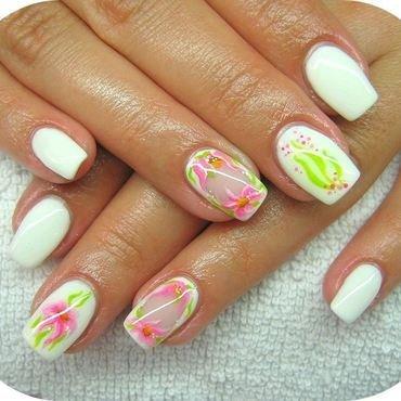 Flowers for summer nail art by Boglarka Tornai