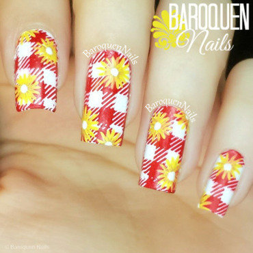 Gingham And Daisies nail art by BaroquenNails