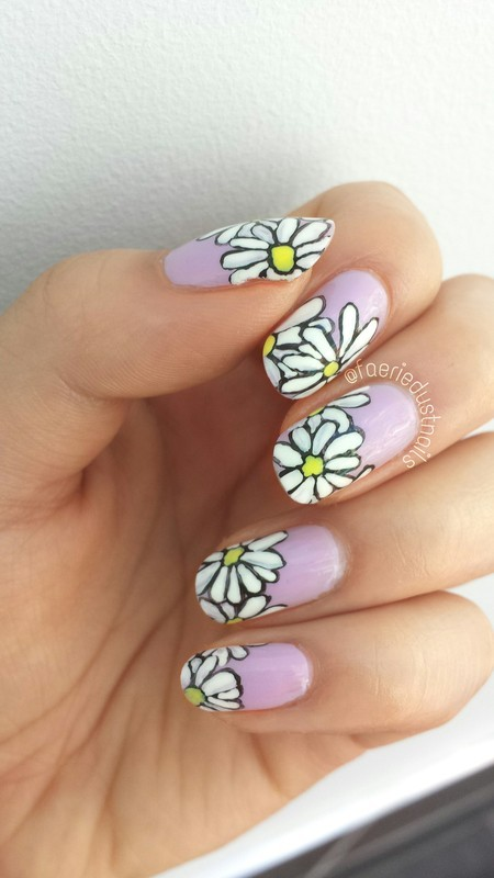 Daisy Patch nail art by Shirley X.