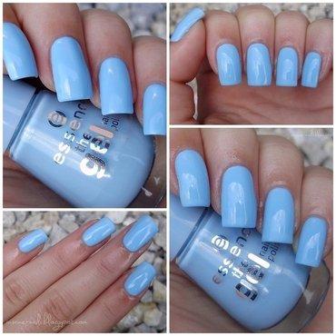 Essence 39 Blue Bubble Di Blue Swatch by Sanela