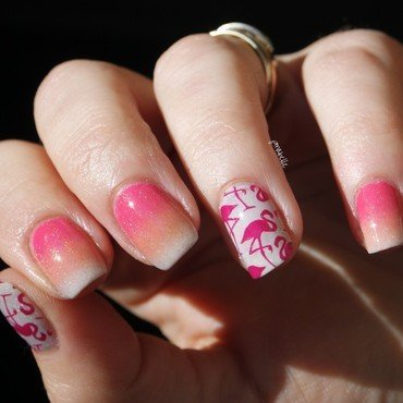 pinky pinky flamingo nail art by Pmabelle