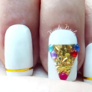 Gold Pyramid Nails ♡ NicoleNails nail art by Nicole Nails