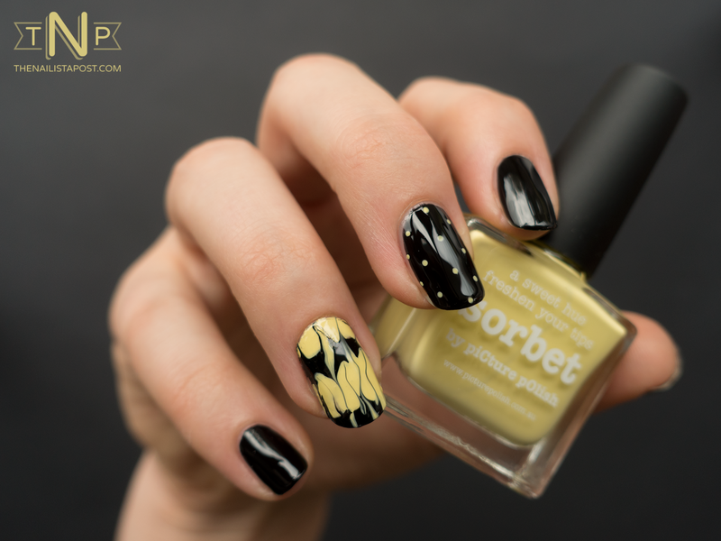 Manucure faux marble nail art by Kate C.
