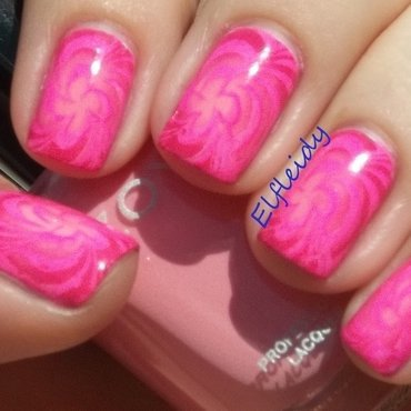 Pink radial gradient nail art by Jenette Maitland-Tomblin