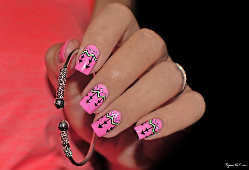 Nail Art Ethnique nail art by Lizana Nails