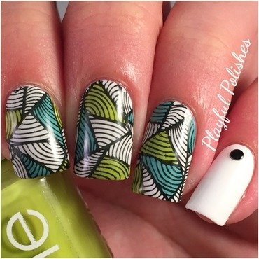 Hypnotic Triangle Nail Art nail art by Playful Polishes