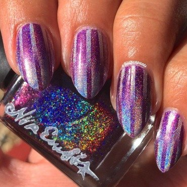 Vertical Holo Reciprocal Gradient nail art by Bianca  Pants