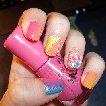 Summer marble nails nail art by Sophie Mácsay