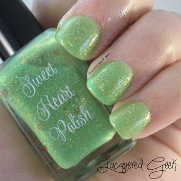 Sweet Heart Polish Oh look, a firefly! Swatch by Kim (Lacquered Geek)