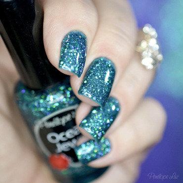 Cicuta + Ocean Jewel nail art by Penélope Luz