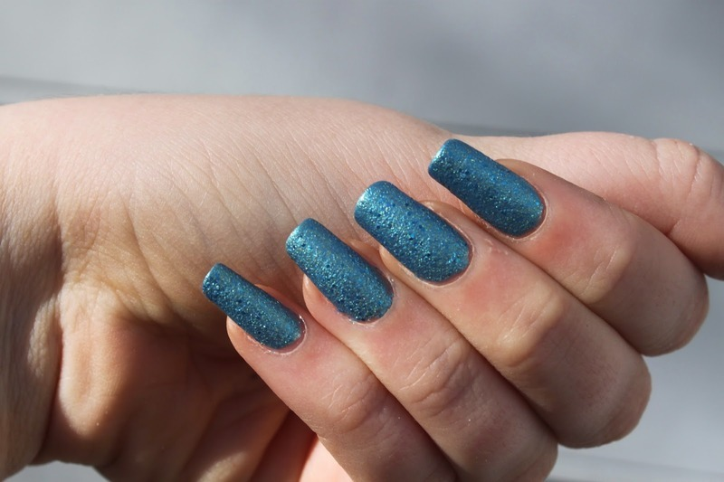 Deborah Lippmann Mermaid's Eyes Swatch by Elizabeth Hemingway