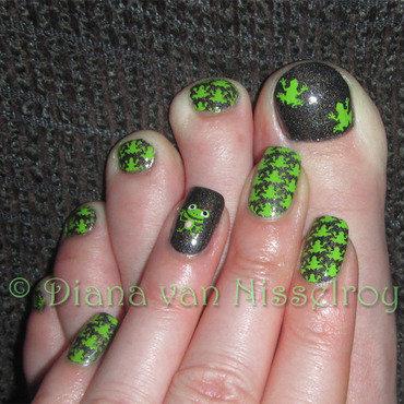 Froggies 20mani 20pedi thumb370f